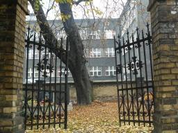 plener_fotograficzny_na_cmentarzu_4